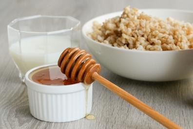 Naturalna maseczka z ryżu i miodu